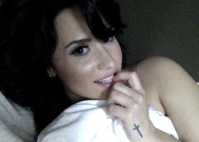 Demi Lovato topless