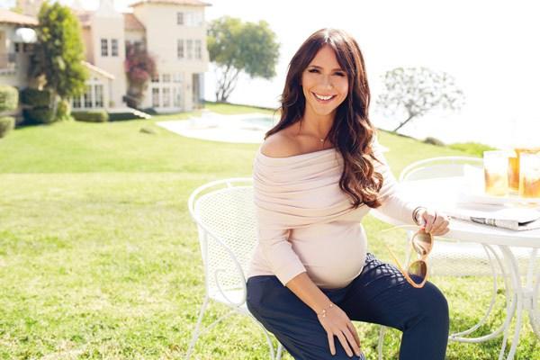 Jennifer Love Hewitt maternity clothing line